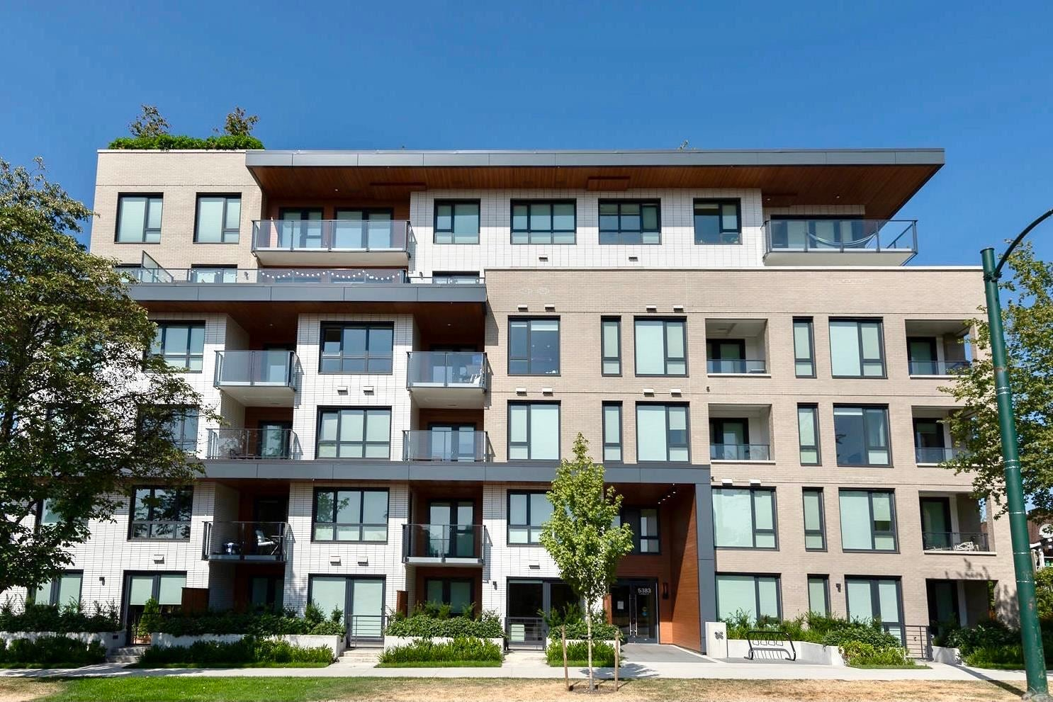 301 5383 CAMBIE STREET - Cambie Apartment/Condo for sale, 3 Bedrooms (R2603660)