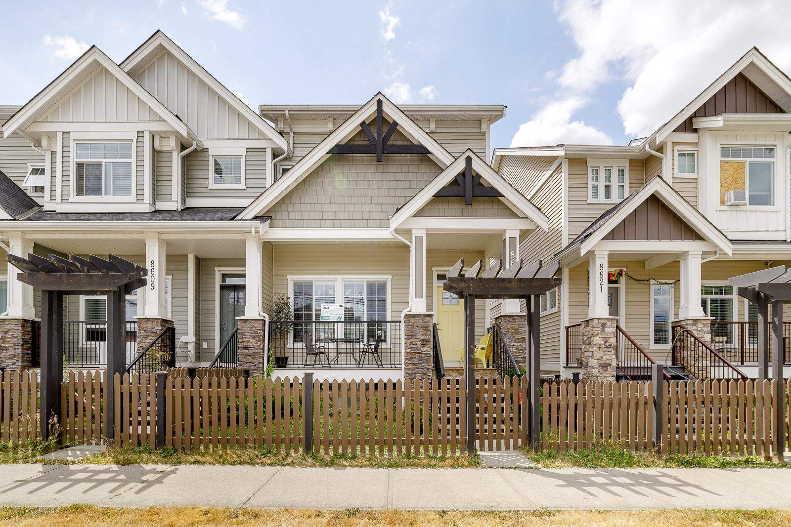 8615 CEDAR STREET - Mission BC Row House (Non-Strata) for sale, 4 Bedrooms (R2603677) - #1