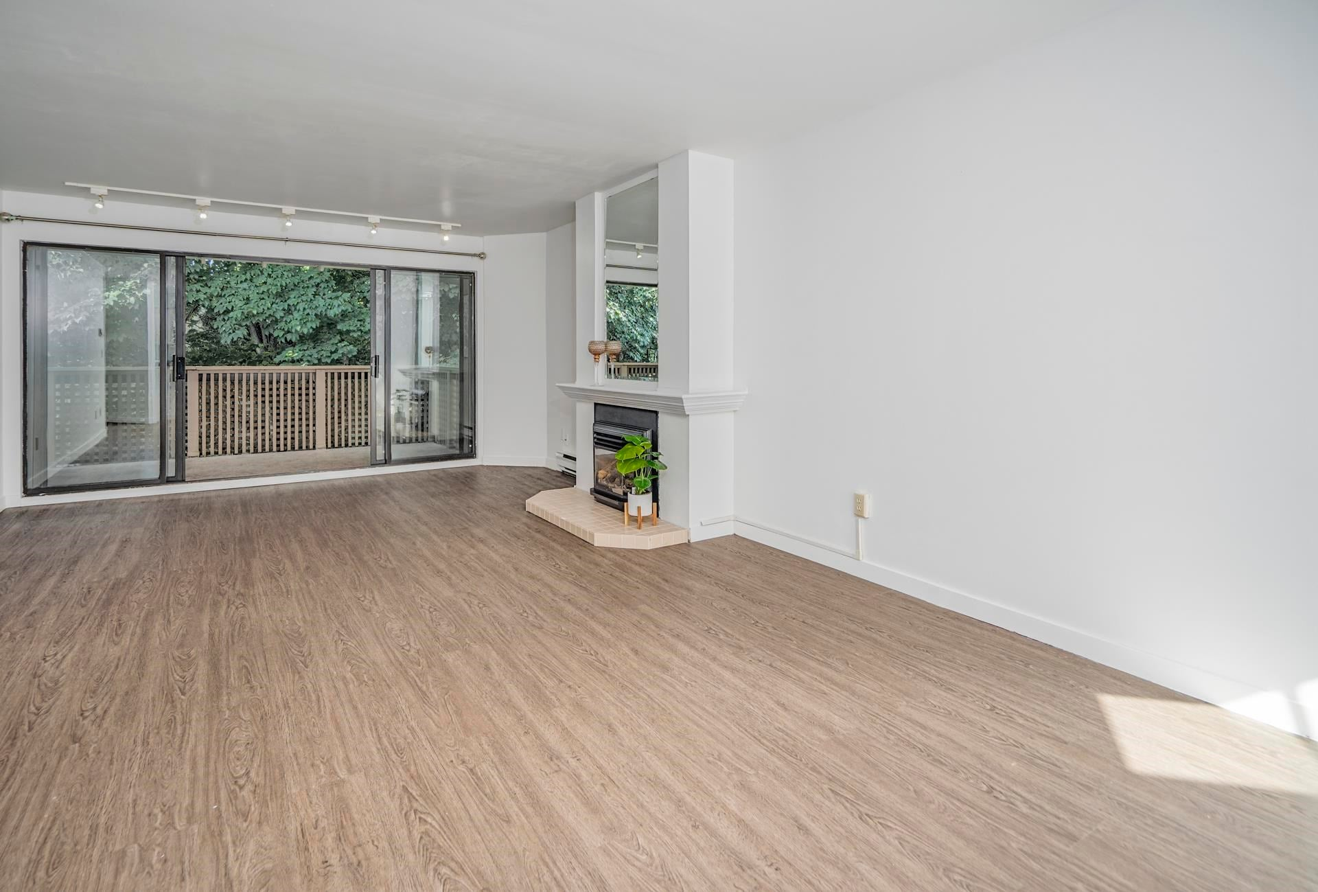 301 3187 MOUNTAIN HIGHWAY - Lynn Valley Apartment/Condo for sale, 2 Bedrooms (R2603681) - #2
