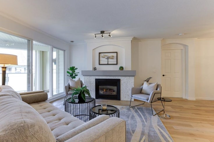 311 20125 55A AVENUE - Langley City Apartment/Condo for sale, 2 Bedrooms (R2603793)