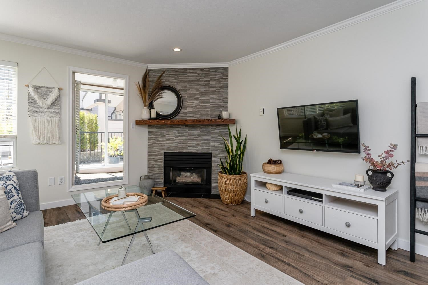 112 1533 BEST STREET - White Rock Apartment/Condo for sale, 2 Bedrooms (R2603851)