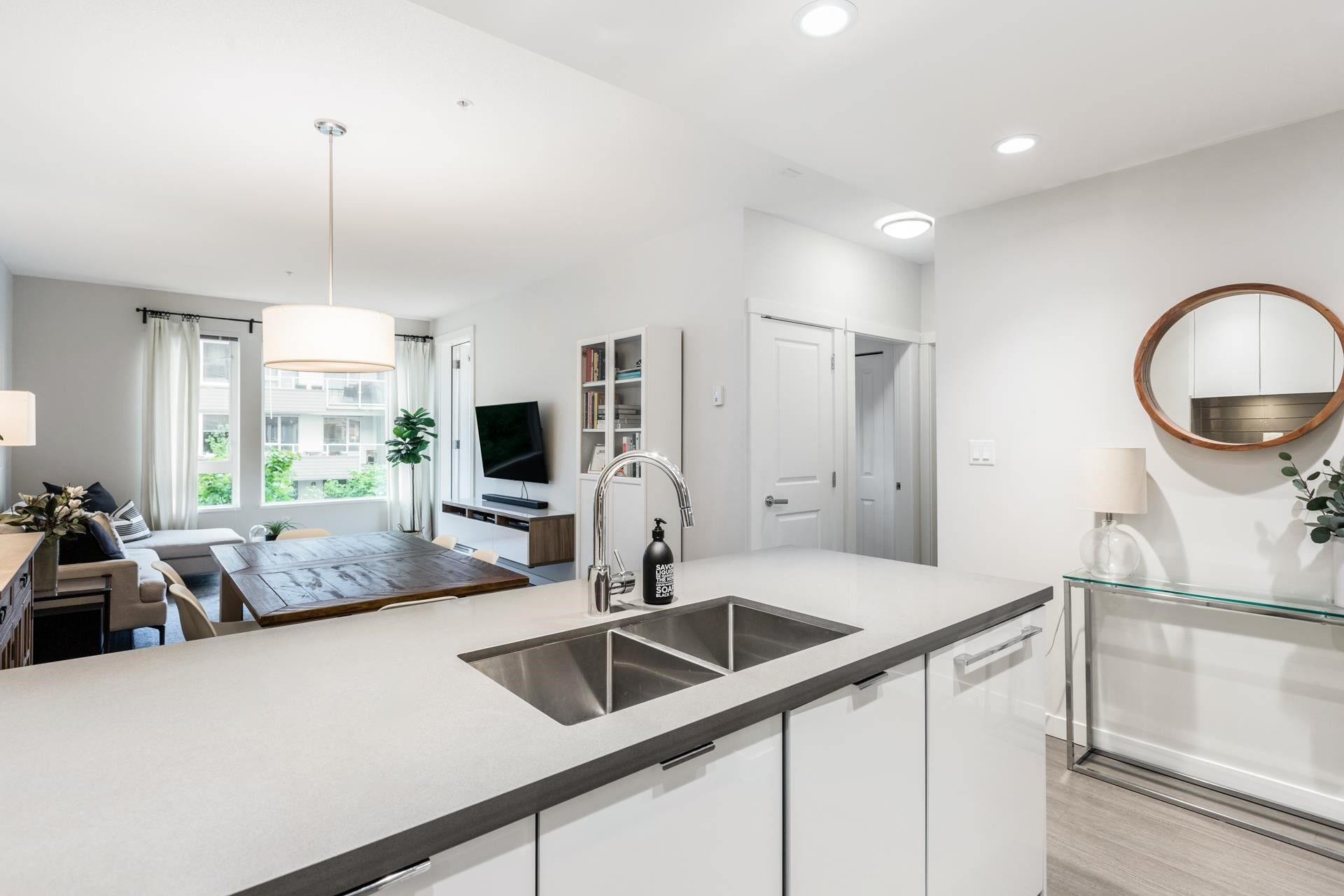 207 255 W 1ST STREET - Lower Lonsdale Apartment/Condo for sale, 2 Bedrooms (R2603882) - #10