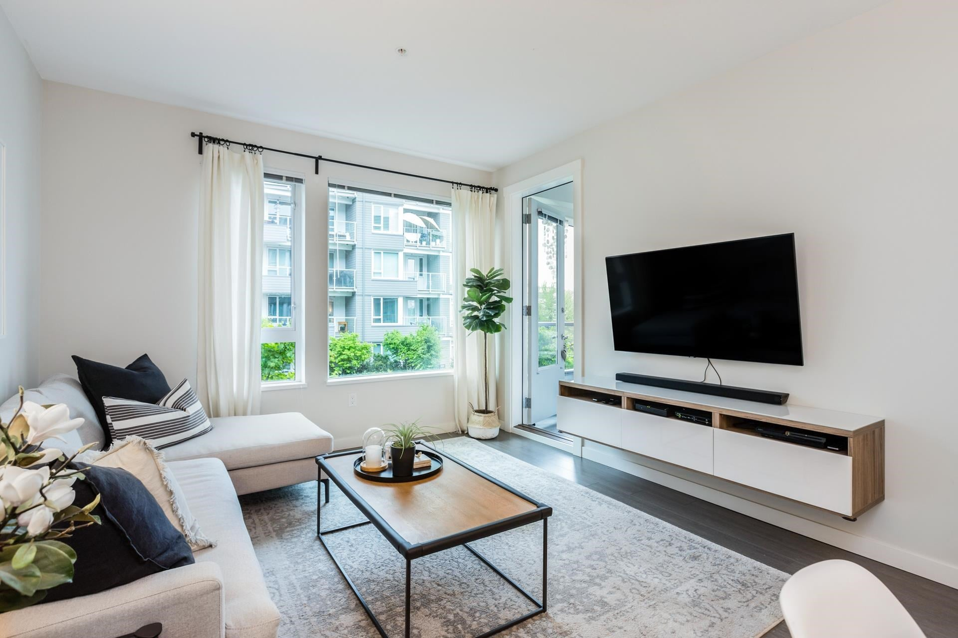 207 255 W 1ST STREET - Lower Lonsdale Apartment/Condo for sale, 2 Bedrooms (R2603882) - #2