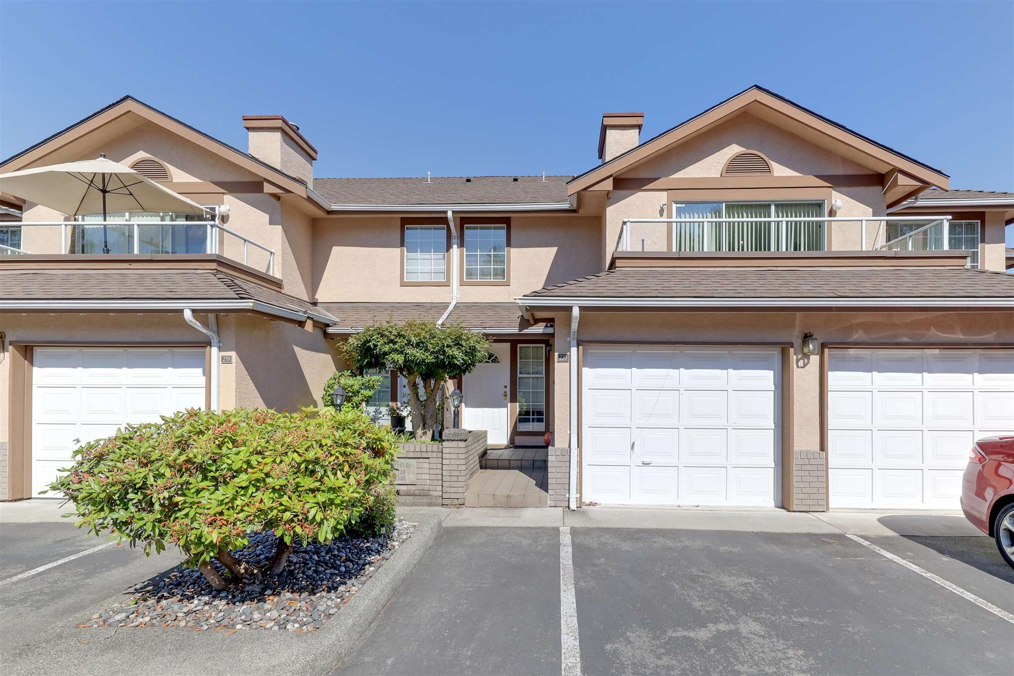 220 14861 98 AVENUE - Guildford Townhouse for sale, 2 Bedrooms (R2603895)