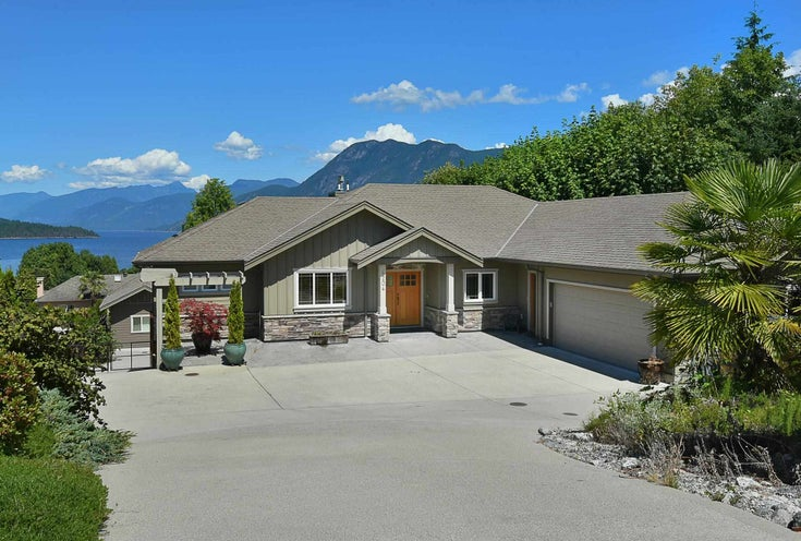 6204 HIGHMOOR ROAD - Sechelt District House/Single Family for sale, 5 Bedrooms (R2604075)