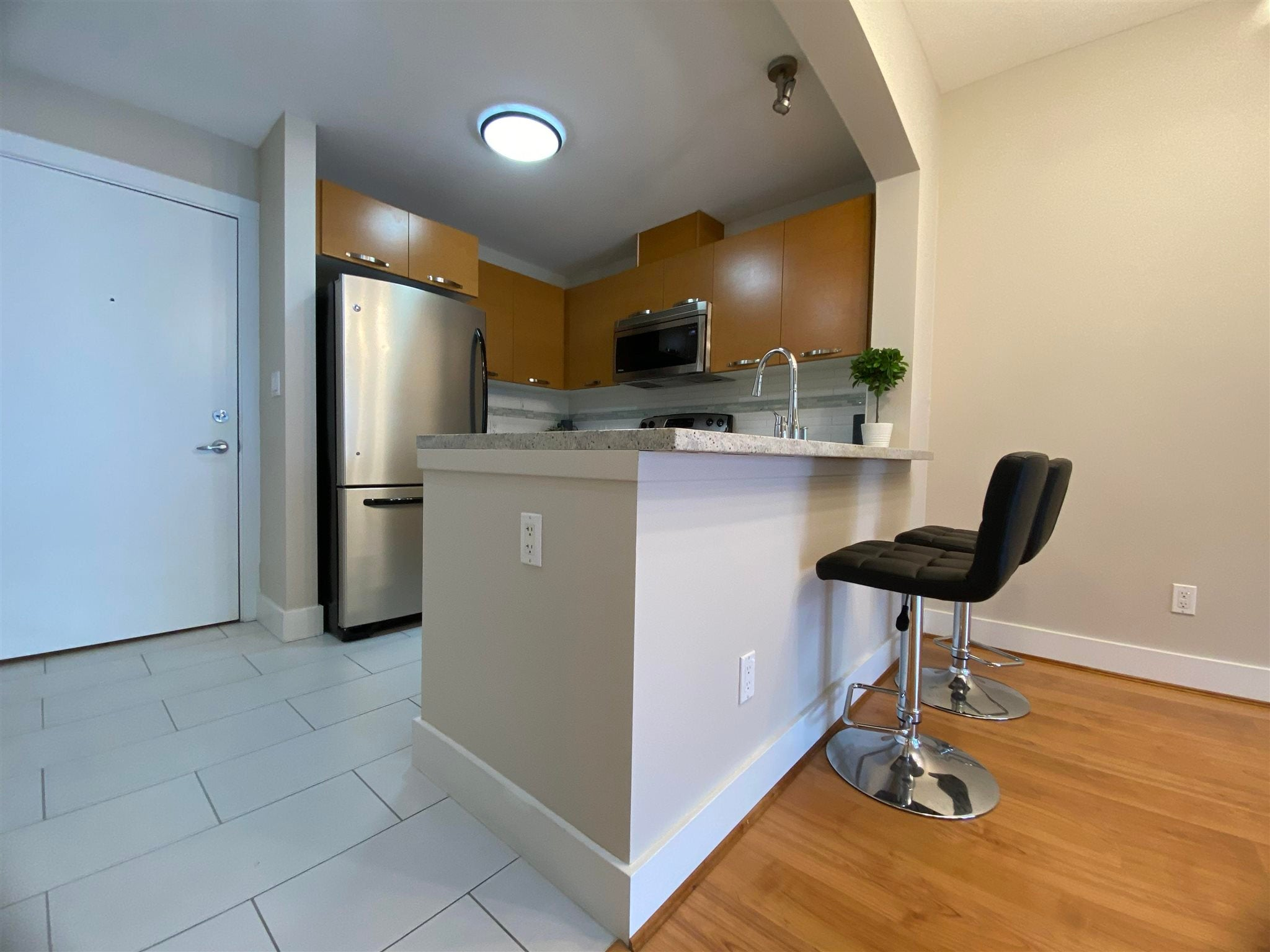 304 7428 BYRNEPARK WALK - South Slope Apartment/Condo for sale, 1 Bedroom (R2604124) - #2