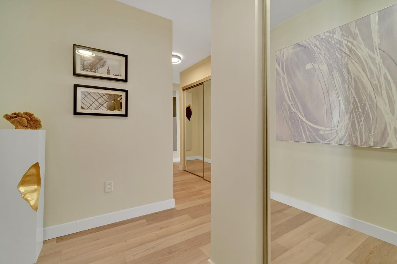 206 330 W 2ND STREET - Lower Lonsdale Apartment/Condo for sale, 2 Bedrooms (R2604160) - #25