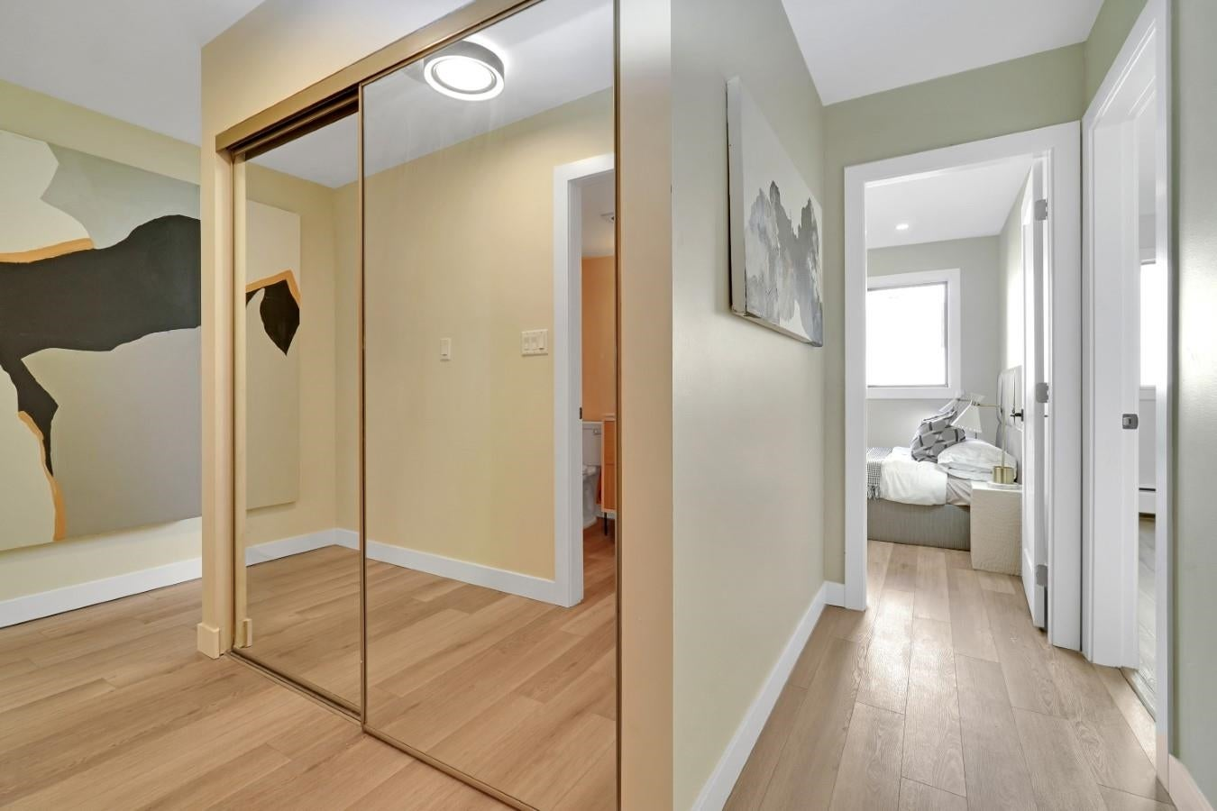206 330 W 2ND STREET - Lower Lonsdale Apartment/Condo for sale, 2 Bedrooms (R2604160) - #26