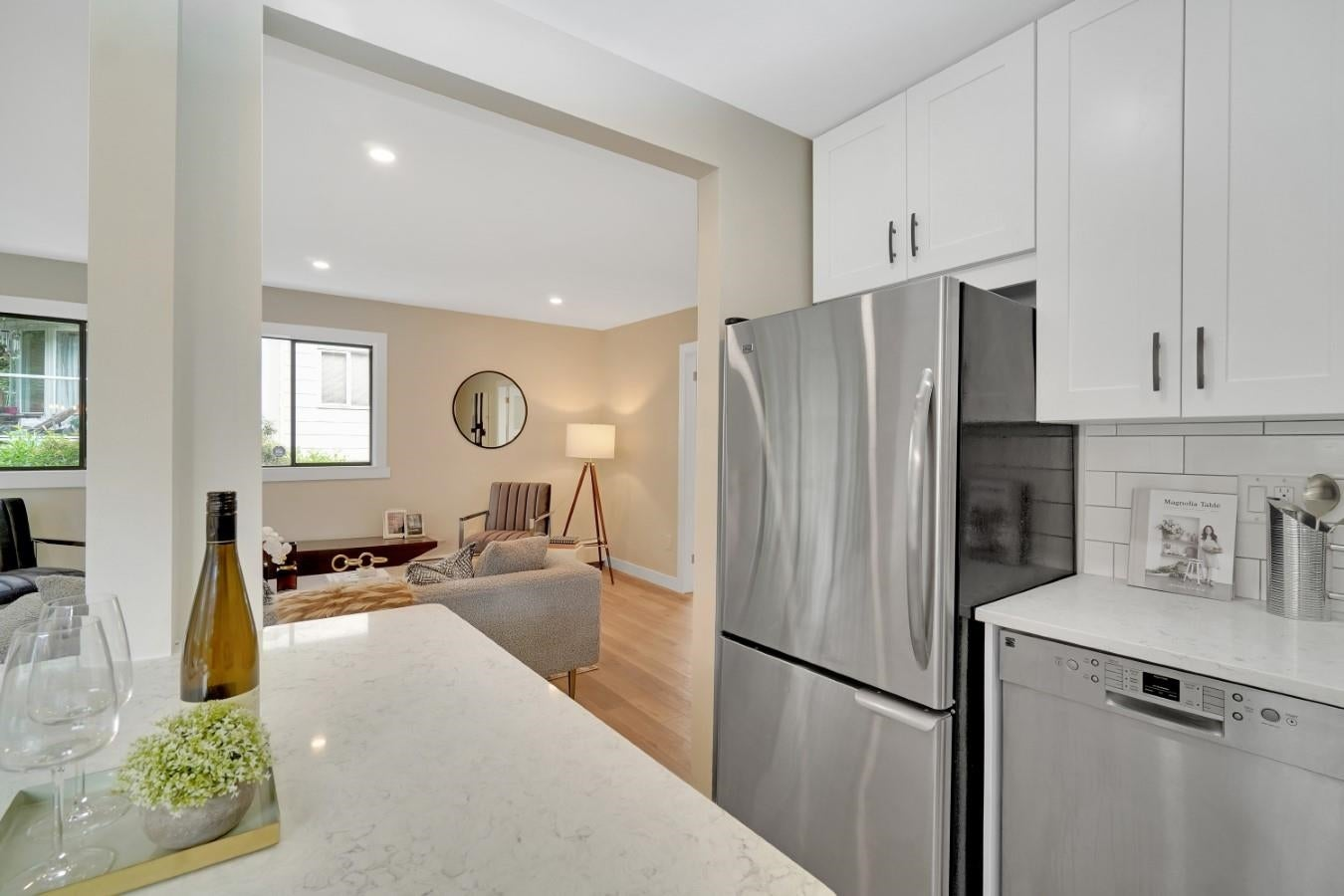 206 330 W 2ND STREET - Lower Lonsdale Apartment/Condo for sale, 2 Bedrooms (R2604160) - #3