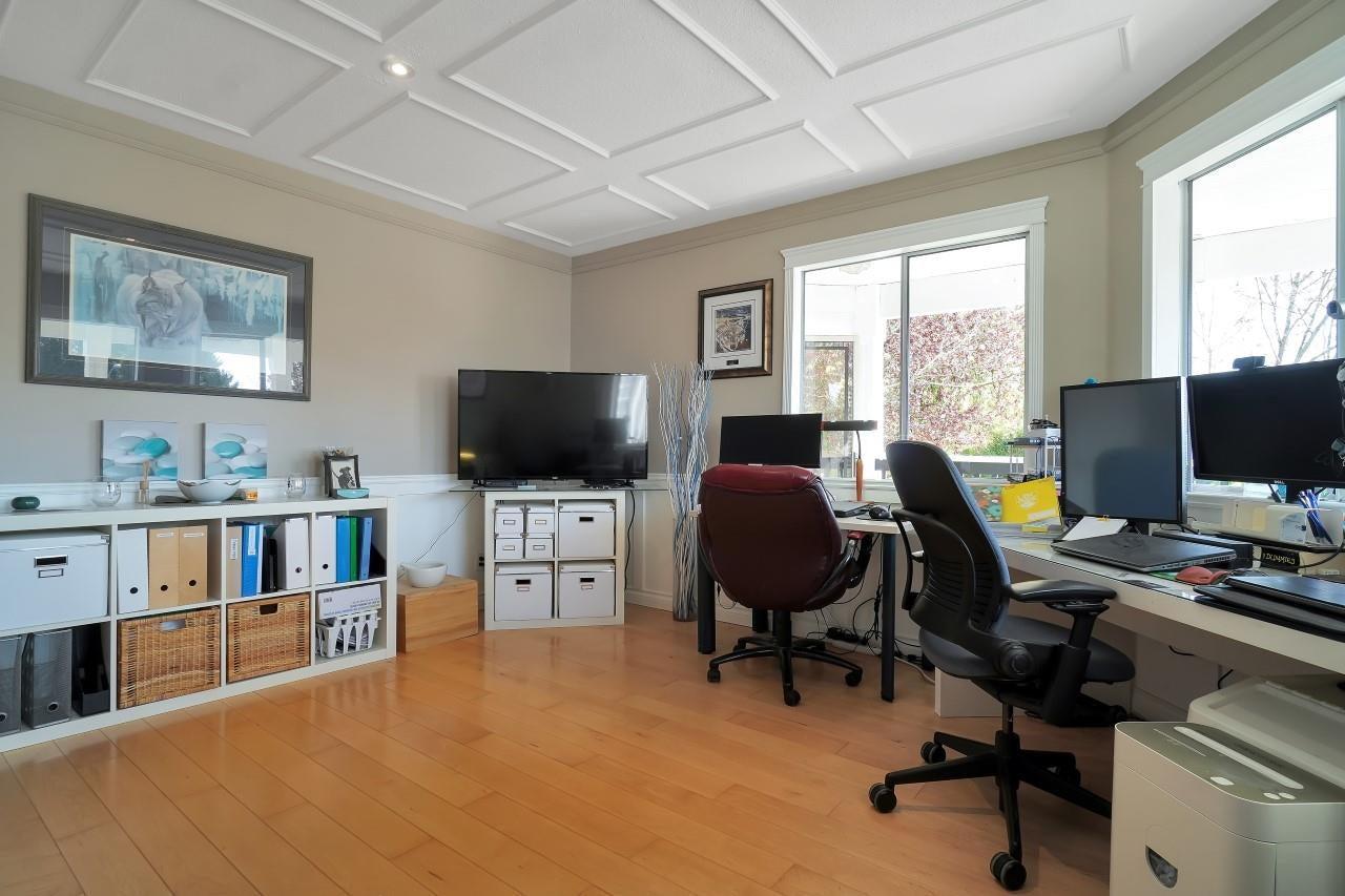 27096 28 AVENUE - Aldergrove Langley House/Single Family for sale, 3 Bedrooms (R2604167) - #28