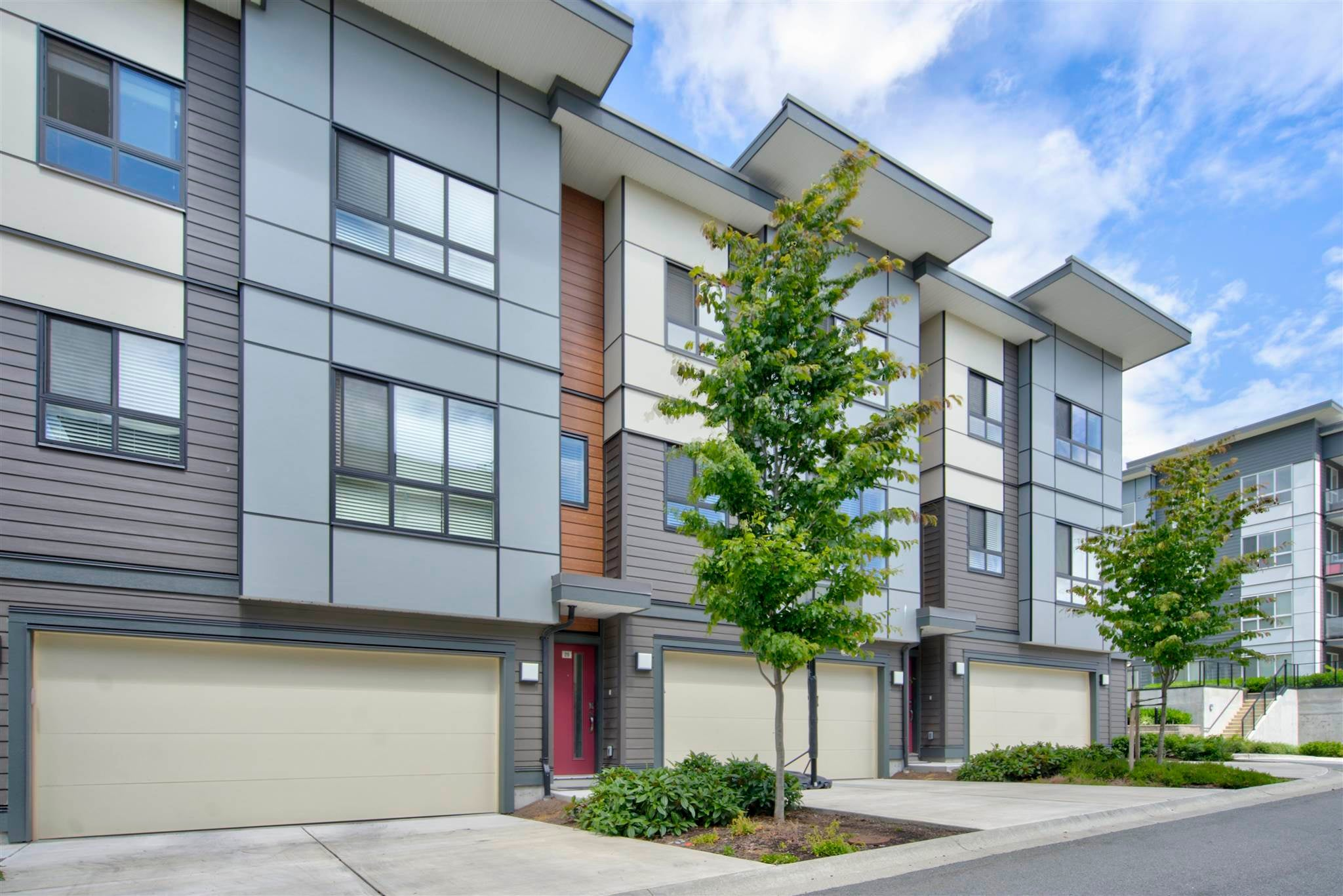 20 1938 NORTH PARALLEL ROAD - Abbotsford East Apartment/Condo for sale, 3 Bedrooms (R2604253) - #1