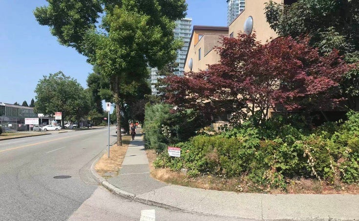 202 5155 IMPERIAL STREET - Metrotown Apartment/Condo for sale, 2 Bedrooms (R2604363)