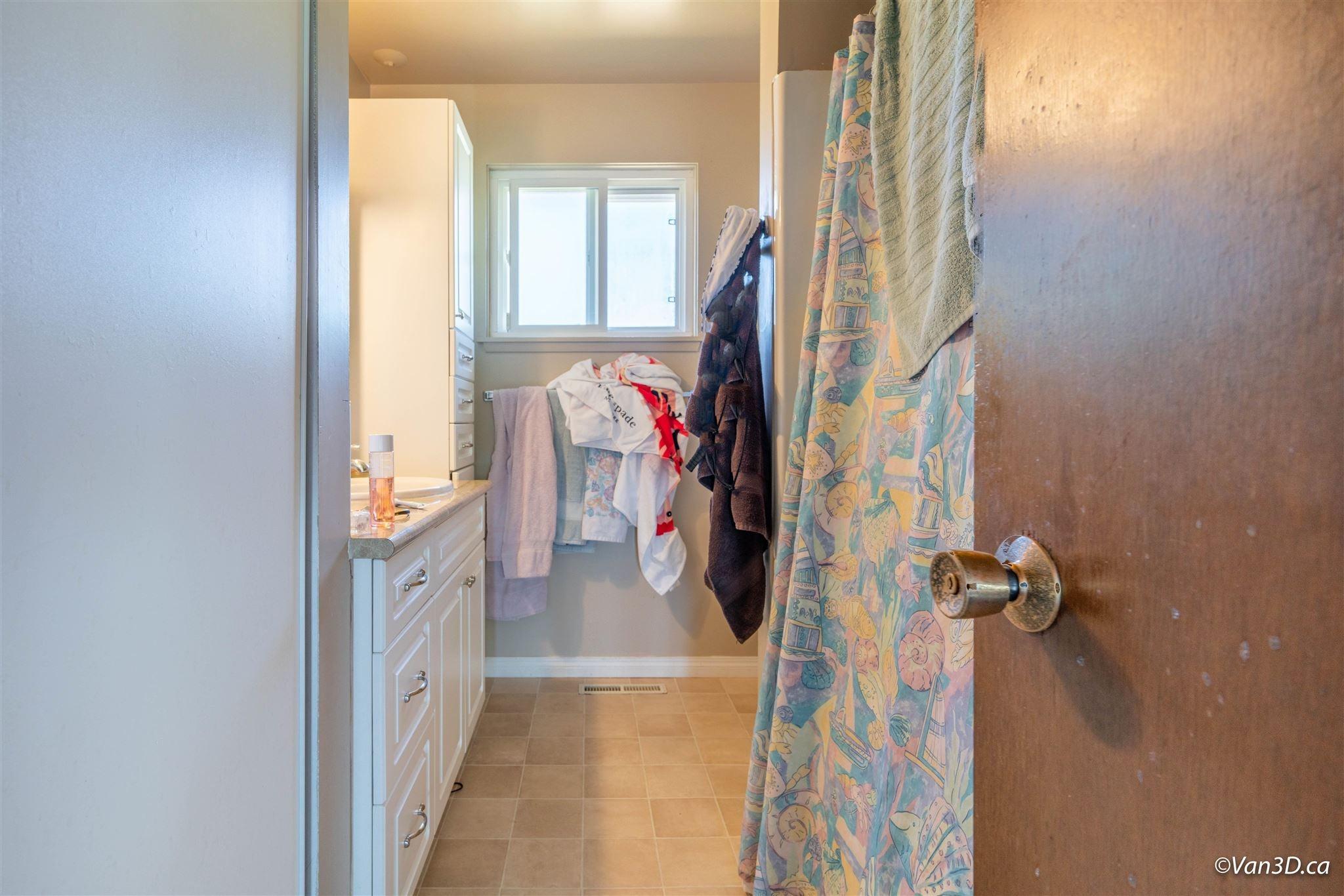 14495 MANN PARK CRESCENT - White Rock House/Single Family for sale, 4 Bedrooms (R2604561) - #16
