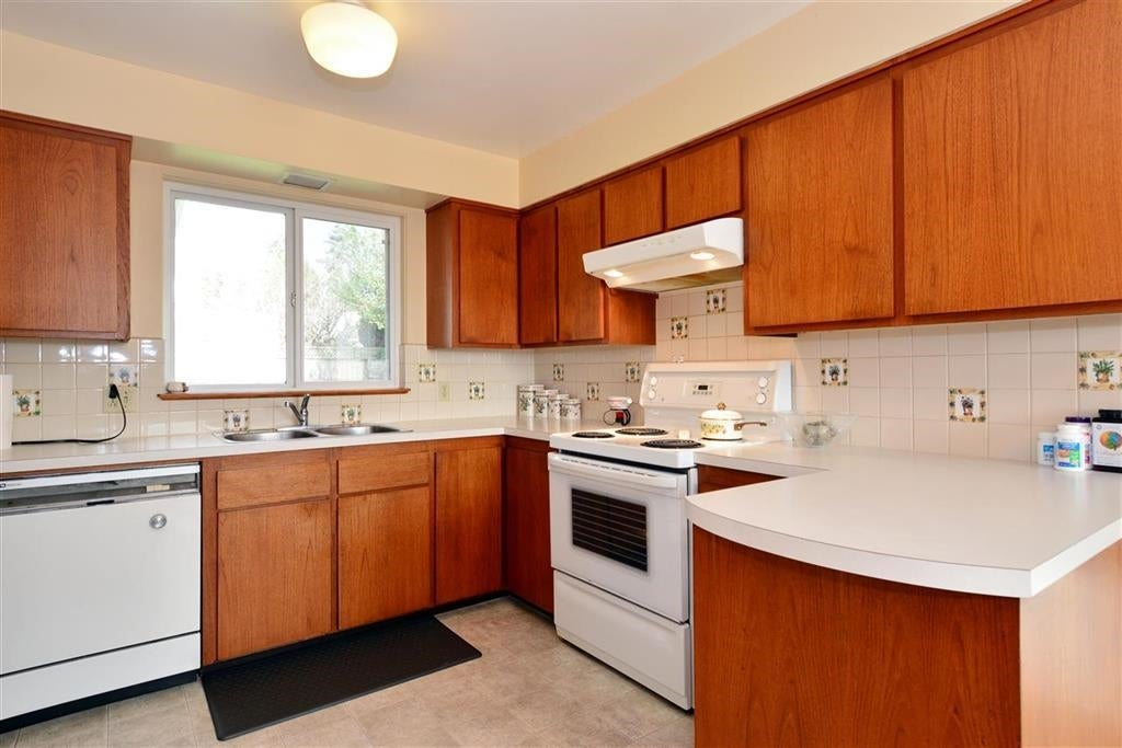 14495 MANN PARK CRESCENT - White Rock House/Single Family for sale, 4 Bedrooms (R2604561) - #9