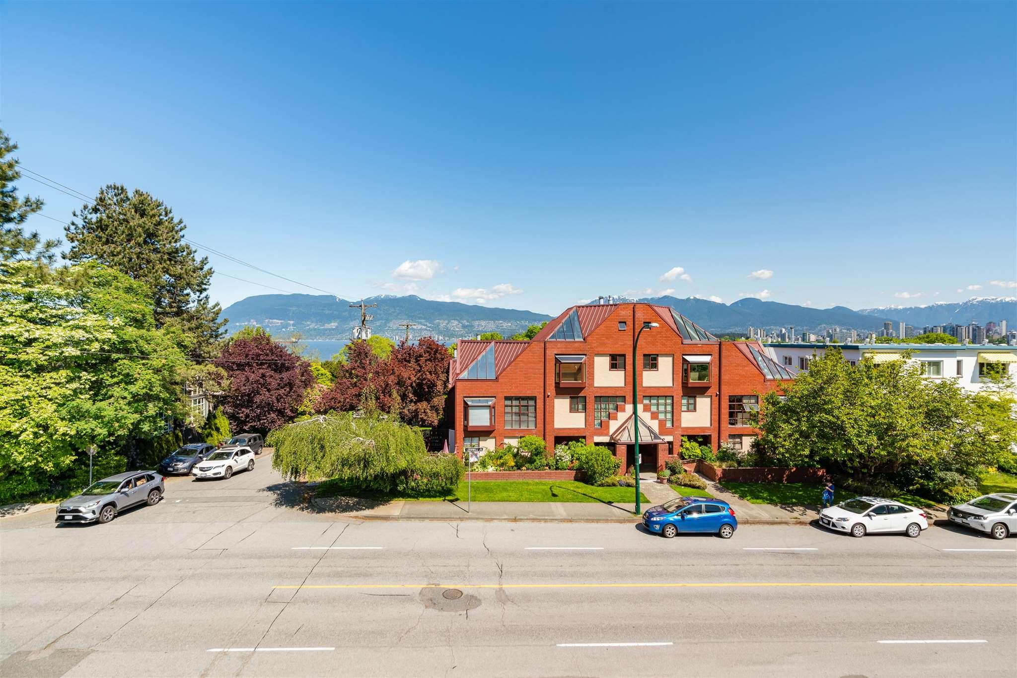 201 2494 CORNWALL AVENUE - Kitsilano Recreational for sale, 2 Bedrooms (R2604572)