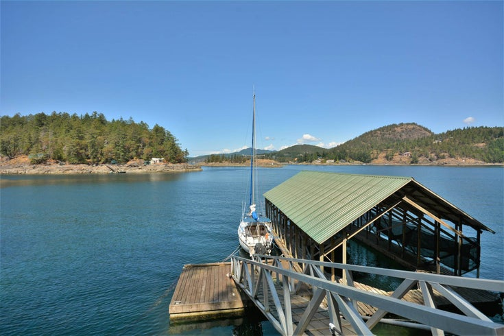 4067 FRANCIS PENINSULA ROAD - Pender Harbour Egmont House/Single Family for sale, 2 Bedrooms (R2604603)