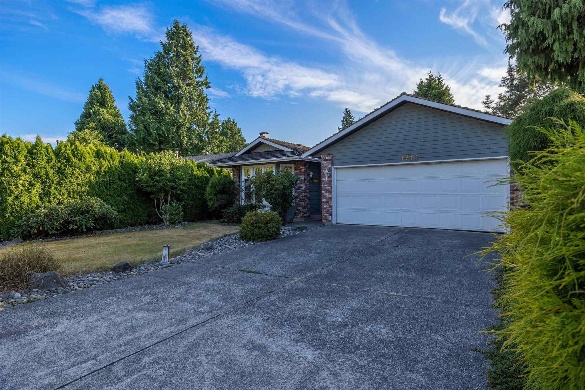 1743 148A STREET - Sunnyside Park Surrey House/Single Family for sale, 3 Bedrooms (R2604804) - #2