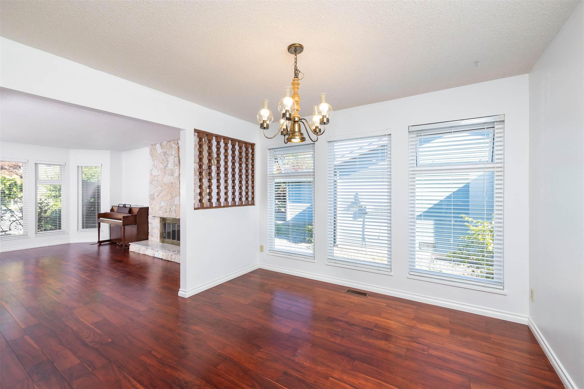 1743 148A STREET - Sunnyside Park Surrey House/Single Family for sale, 3 Bedrooms (R2604804) - #3