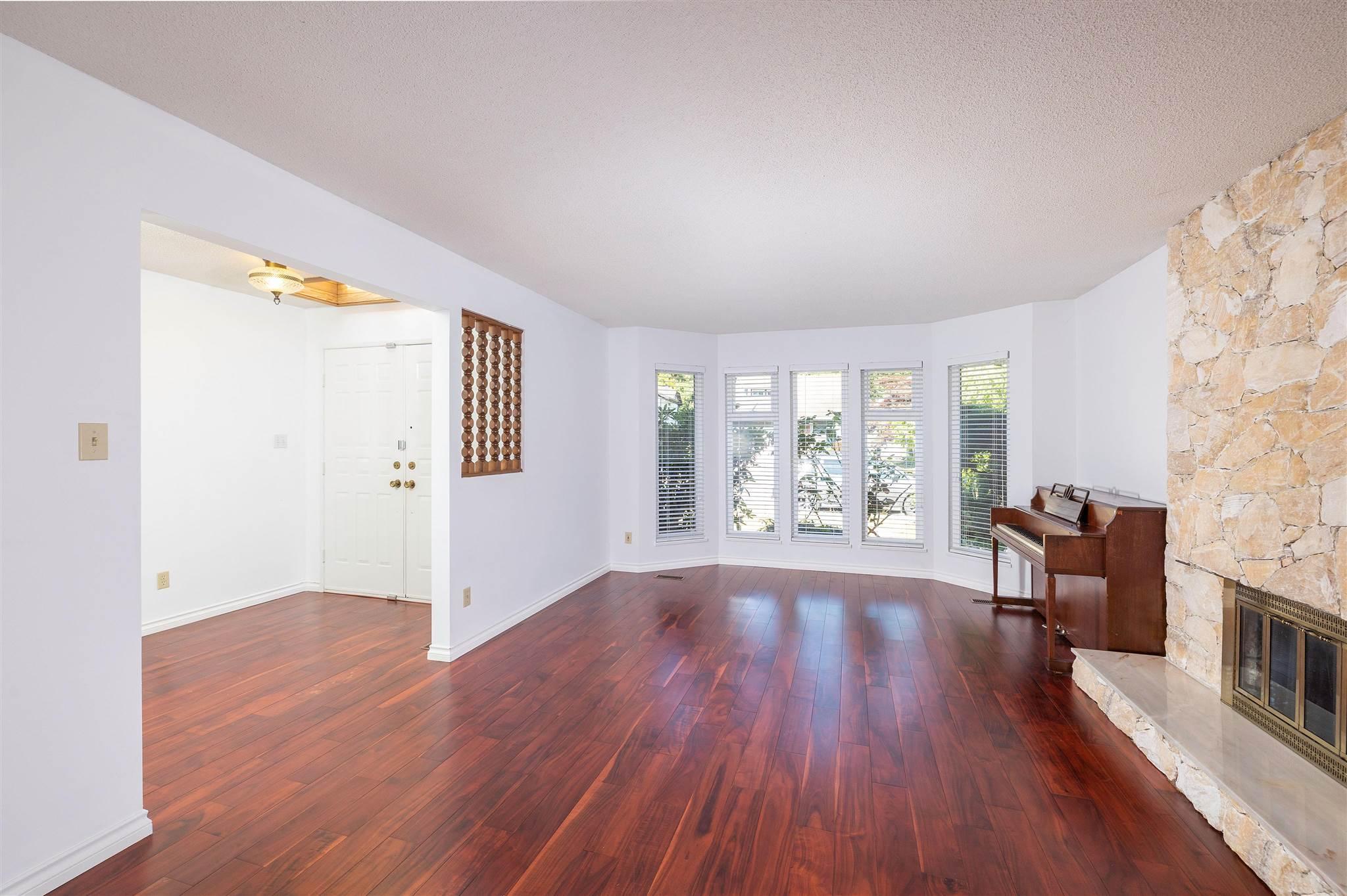 1743 148A STREET - Sunnyside Park Surrey House/Single Family for sale, 3 Bedrooms (R2604804) - #4