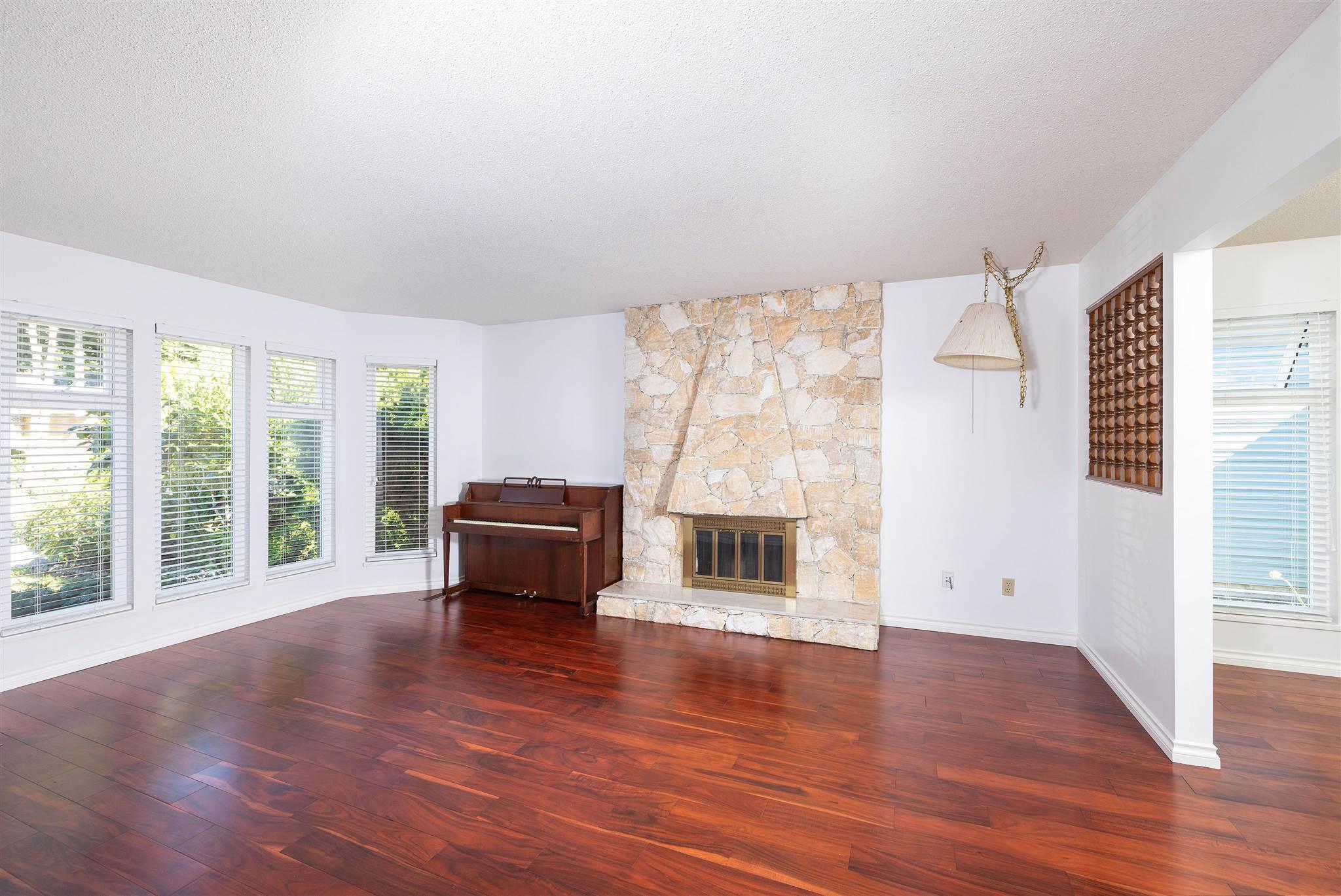 1743 148A STREET - Sunnyside Park Surrey House/Single Family for sale, 3 Bedrooms (R2604804) - #6