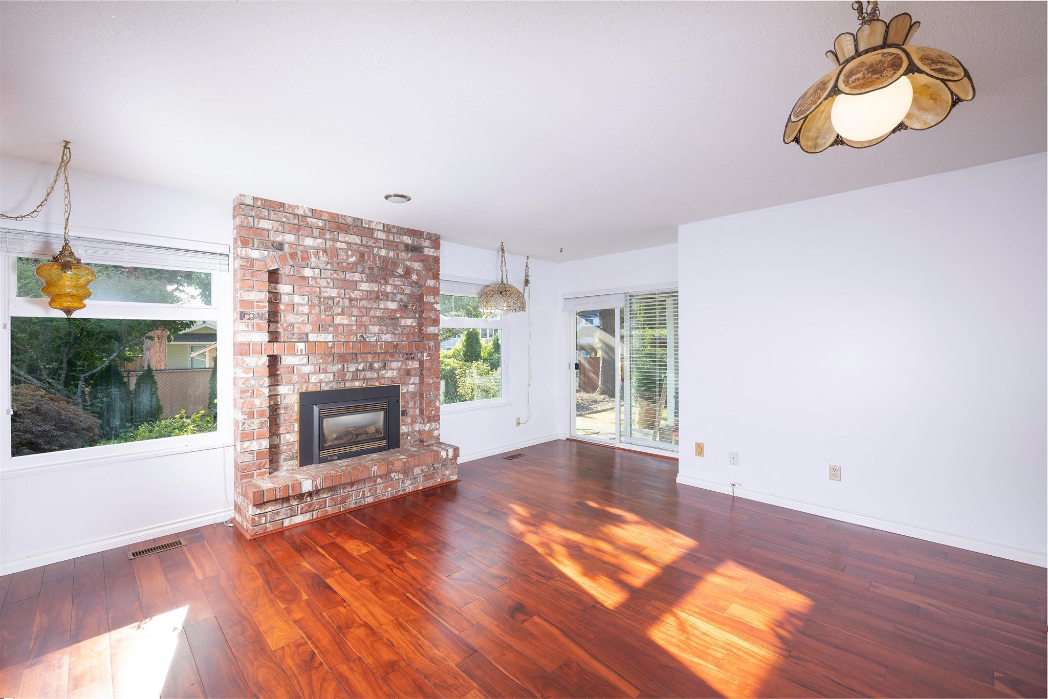 1743 148A STREET - Sunnyside Park Surrey House/Single Family for sale, 3 Bedrooms (R2604804) - #8