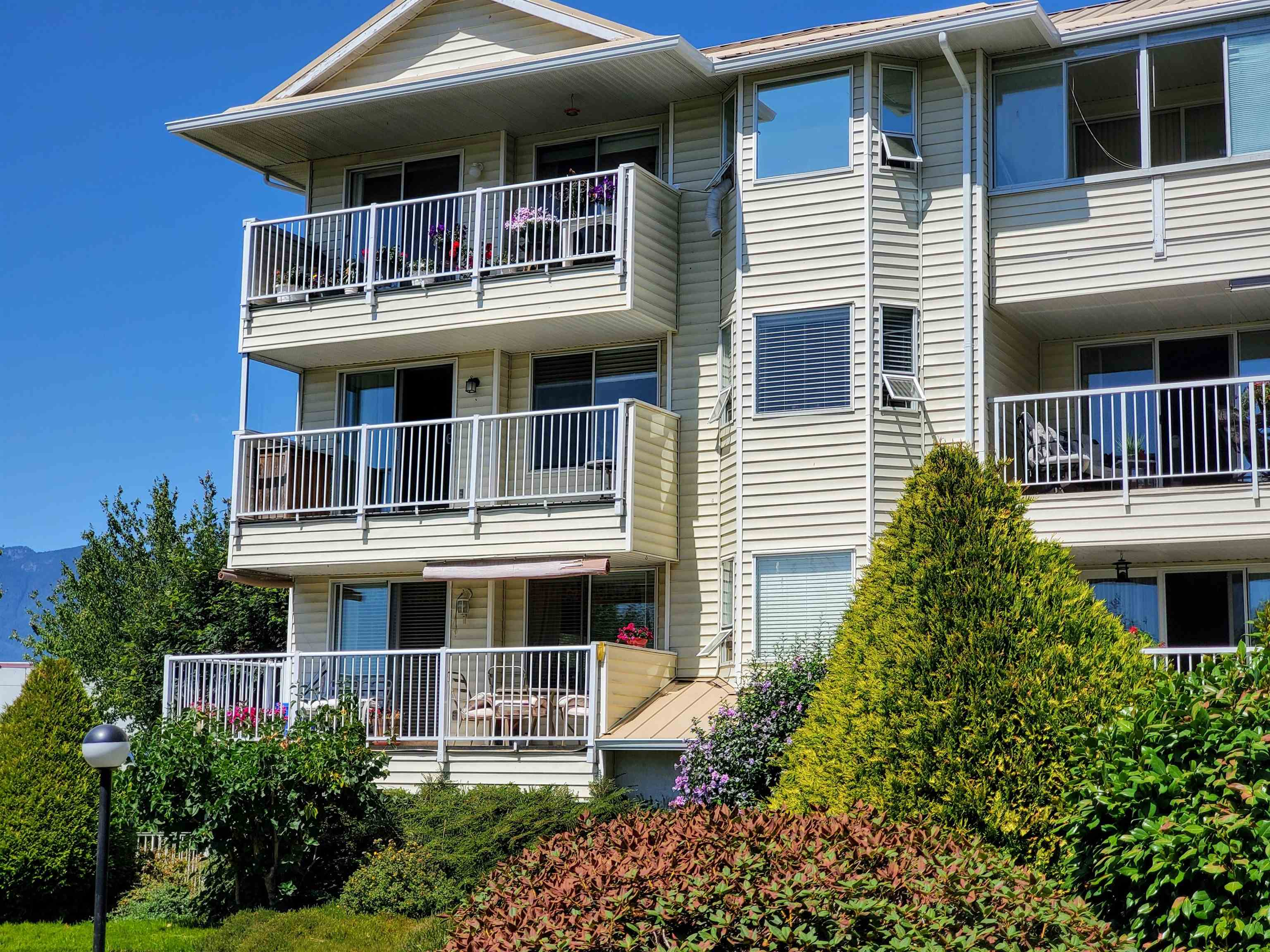 207 8725 ELM DRIVE - Chilliwack E Young-Yale Apartment/Condo for sale, 2 Bedrooms (R2604841) - #1