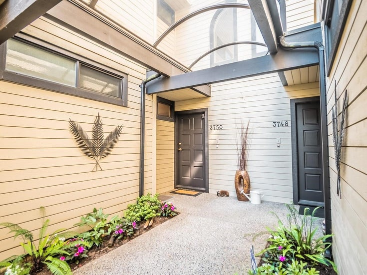 3750 NICO WYND DRIVE - Elgin Chantrell Townhouse for sale, 3 Bedrooms (R2604954)