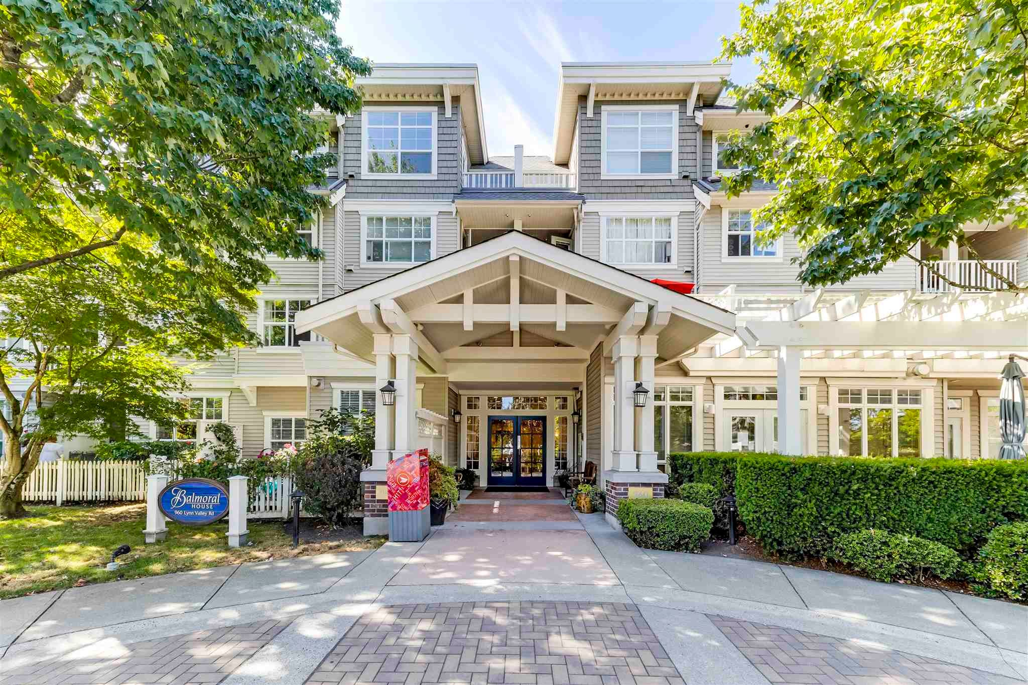 417 960 LYNN VALLEY ROAD - Lynn Valley Apartment/Condo for sale, 1 Bedroom (R2605110) - #1