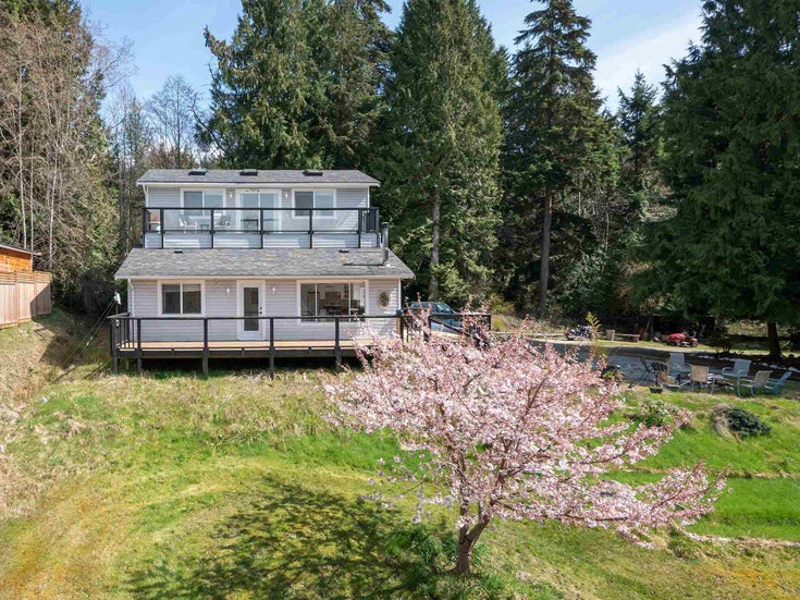 3491 SUNSHINE COAST HIGHWAY - Roberts Creek House with Acreage for sale, 4 Bedrooms (R2605164)