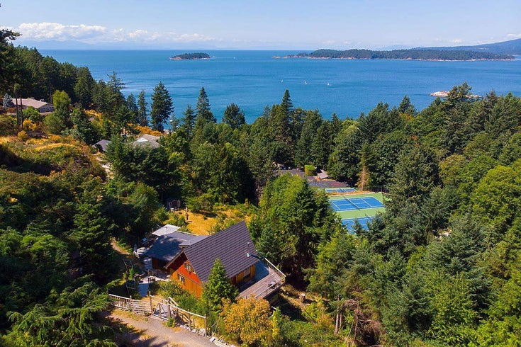 1654 WHITESAILS DRIVE - Bowen Island House with Acreage for sale, 3 Bedrooms (R2605236)