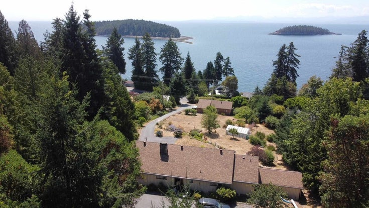 6360 SUNSHINE COAST HIGHWAY - Sechelt District House with Acreage for sale, 4 Bedrooms (R2605279)