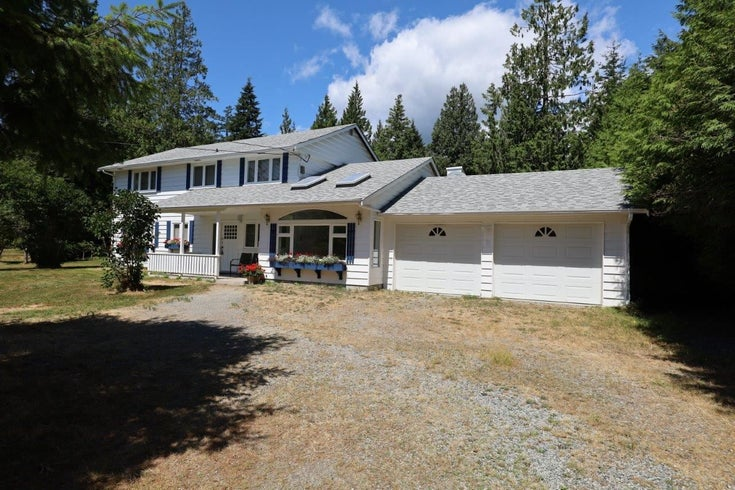 1186 SUNSHINE COAST HIGHWAY - Gibsons & Area House with Acreage for sale, 4 Bedrooms (R2605297)
