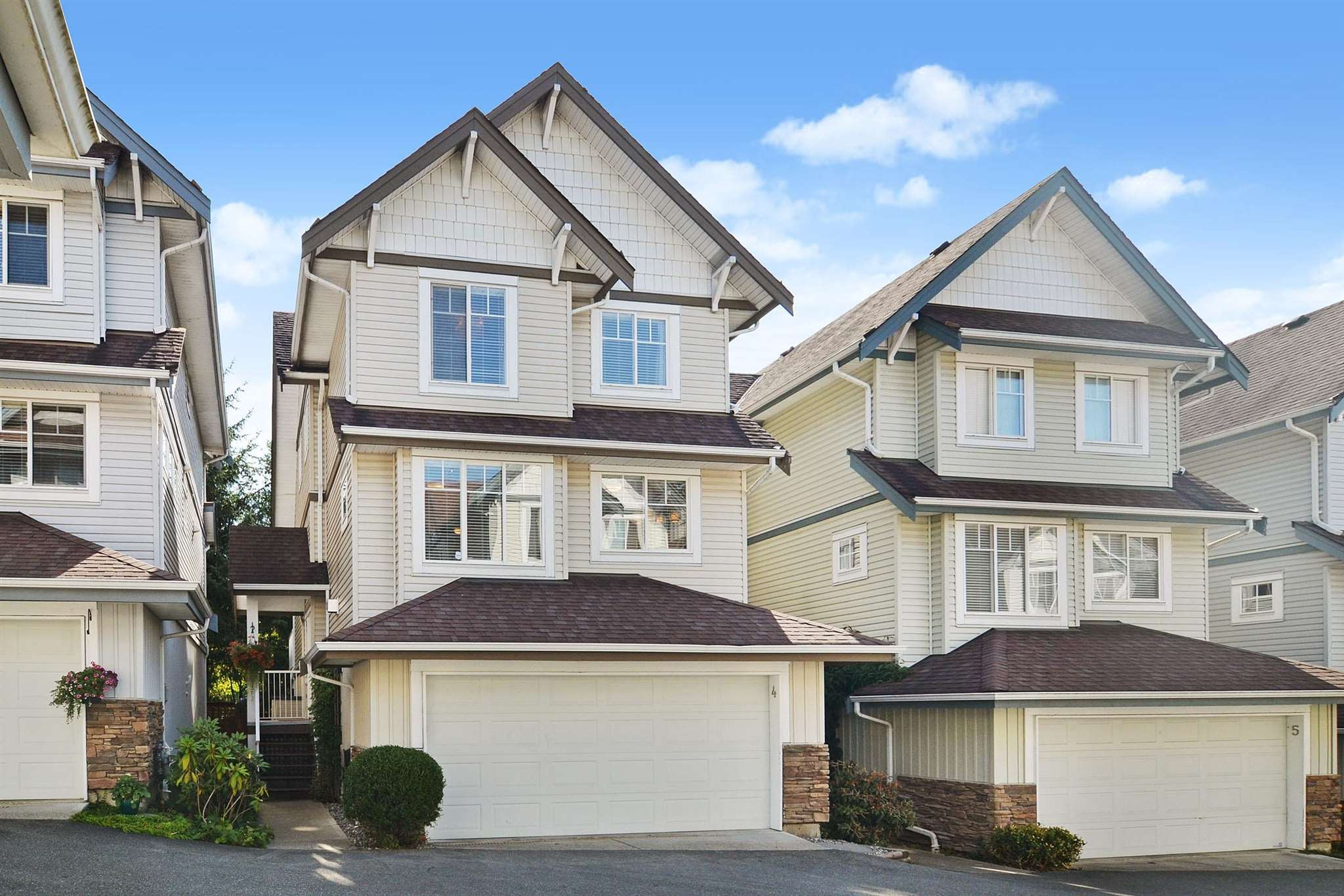 4 20582 67 AVENUE - Willoughby Heights Townhouse for sale, 4 Bedrooms (R2605328) - #1