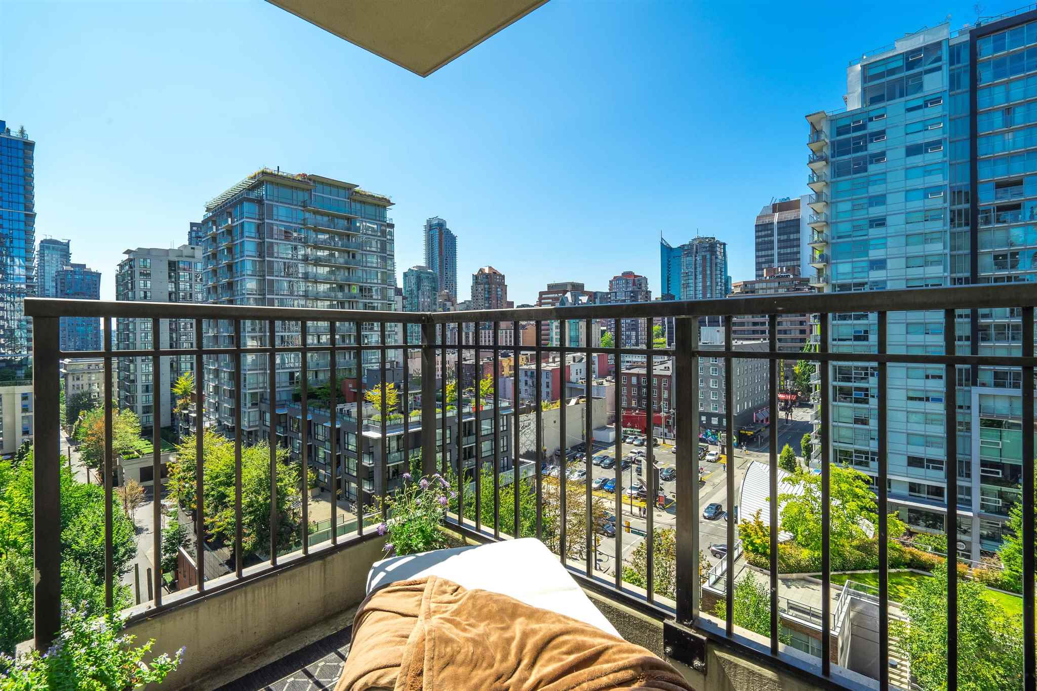 1202 989 RICHARDS STREET - Downtown VW Apartment/Condo for sale, 1 Bedroom (R2605352)