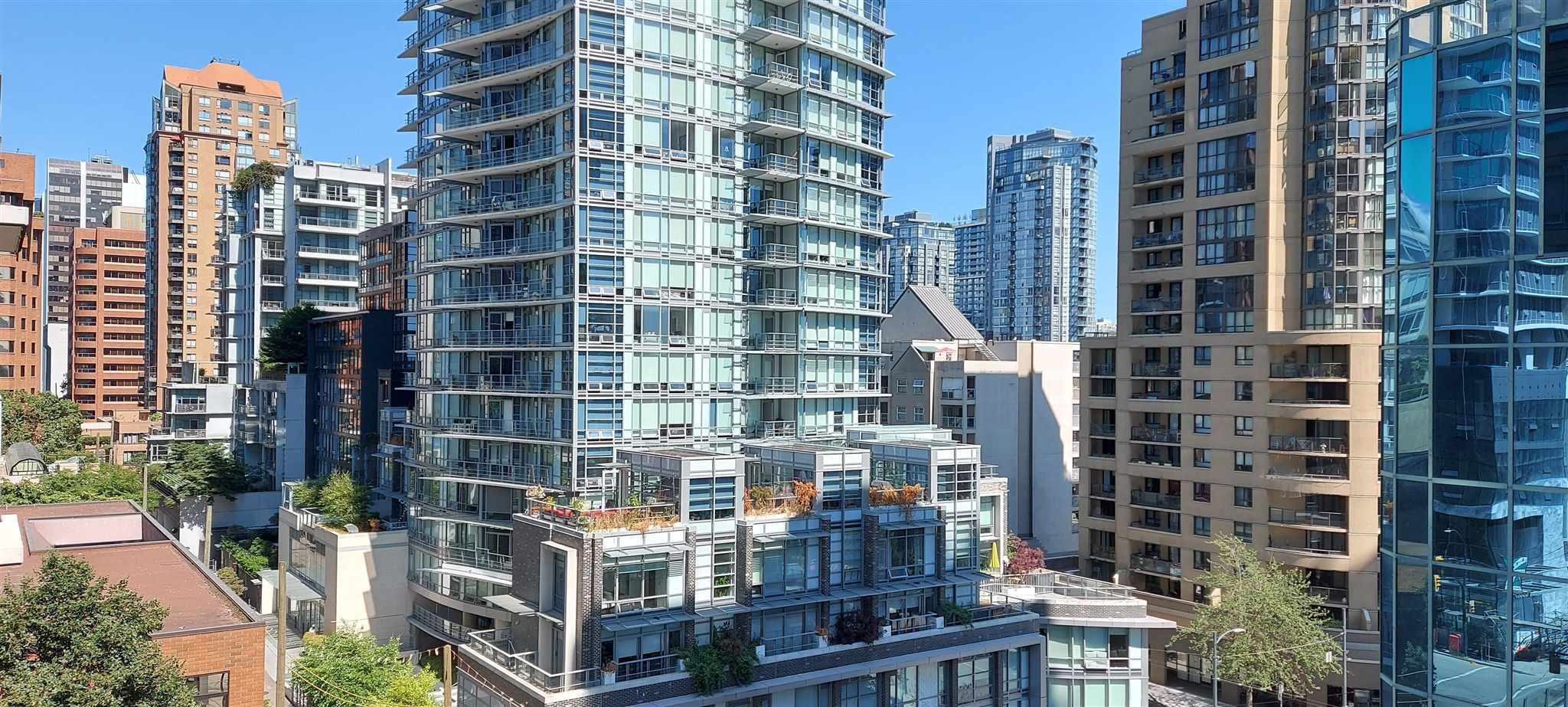 807 1308 HORNBY STREET - Downtown VW Apartment/Condo for sale, 2 Bedrooms (R2605361) - #1