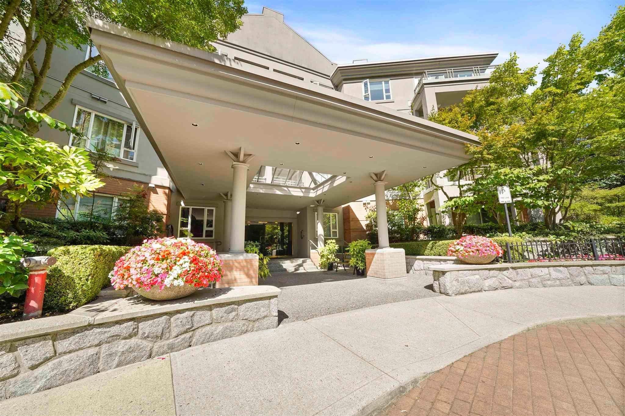 412 5683 HAMPTON PLACE - University VW Apartment/Condo for sale, 2 Bedrooms (R2605599) - #1