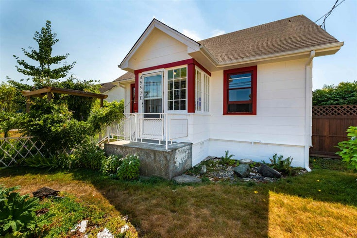 45930 CHESTERFIELD AVENUE - Chilliwack W Young-Well House/Single Family for sale, 3 Bedrooms (R2605782)