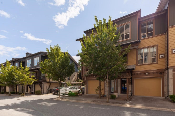 38334 EAGLEWIND BOULEVARD - Downtown SQ Townhouse for sale, 3 Bedrooms (R2605858)