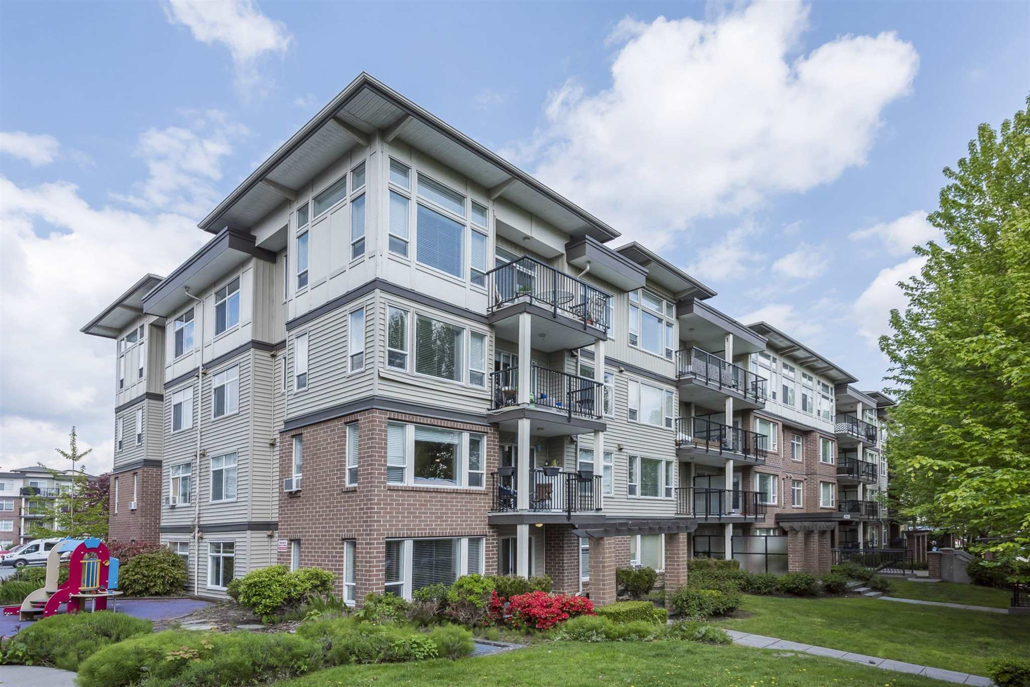402 46289 YALE ROAD - Chilliwack E Young-Yale Apartment/Condo for sale, 2 Bedrooms (R2606016) - #1
