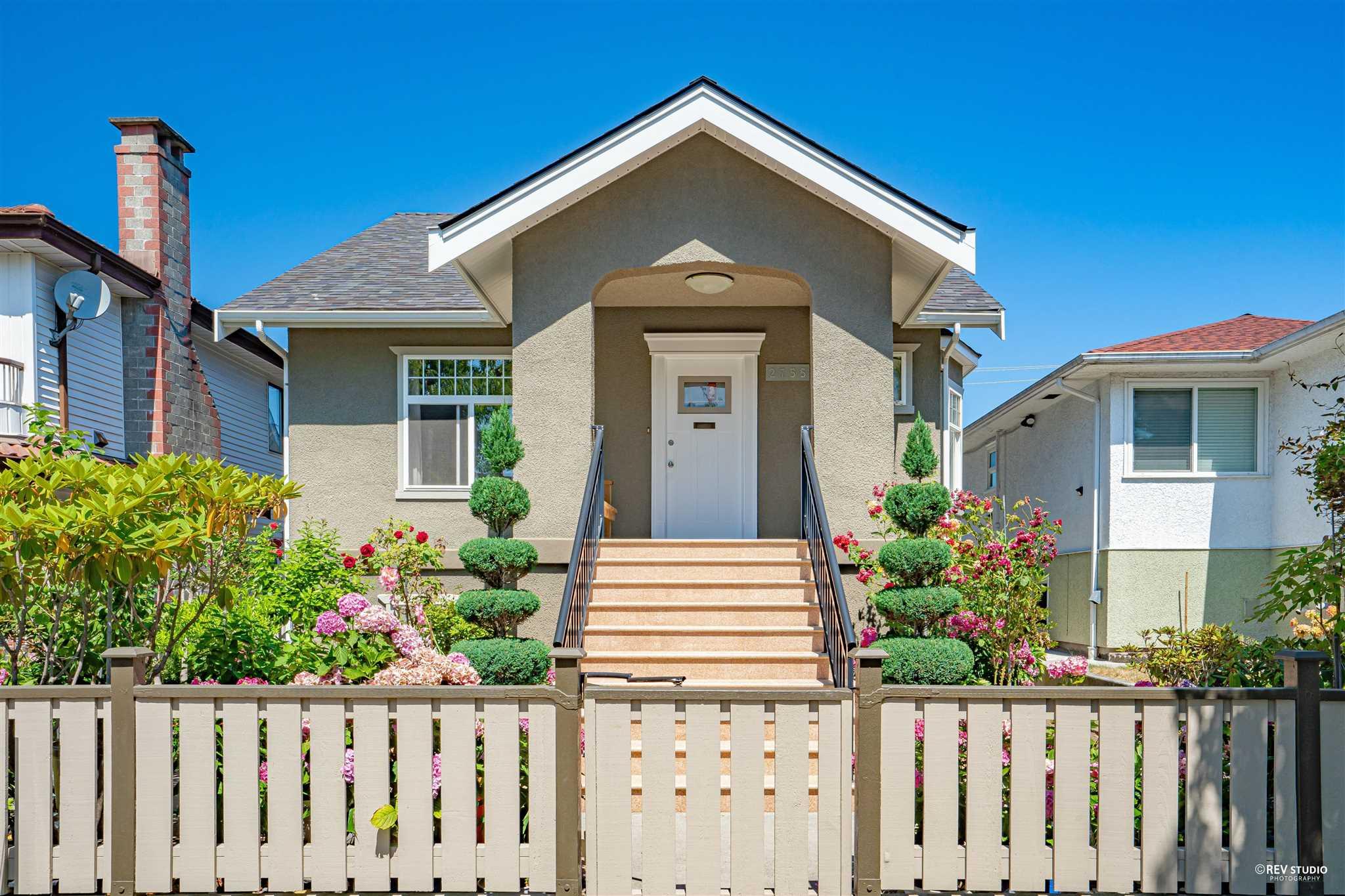 2755 E 2ND AVENUE - Renfrew VE House/Single Family for sale, 6 Bedrooms (R2606051) - #1