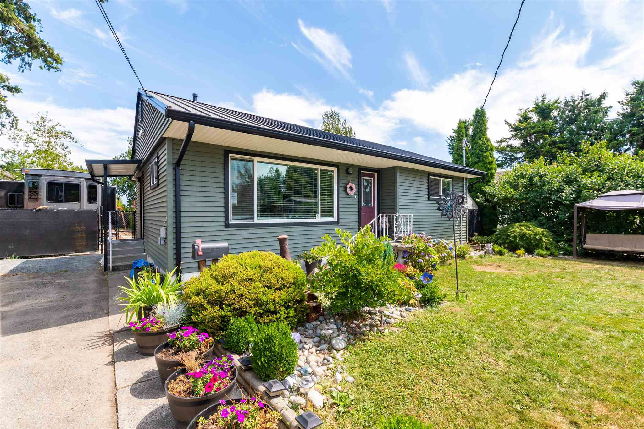 9147 HIEBERT STREET - Chilliwack E Young-Yale House/Single Family for sale, 2 Bedrooms (R2606081)
