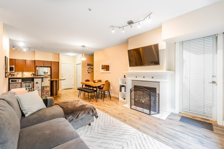 114 2478 SHAUGHNESSY STREET - Central Pt Coquitlam Apartment/Condo for sale, 2 Bedrooms (R2606447)