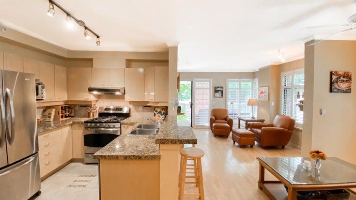 109 2228 MARSTRAND AVENUE - Kitsilano Apartment/Condo for sale, 2 Bedrooms (R2606877)