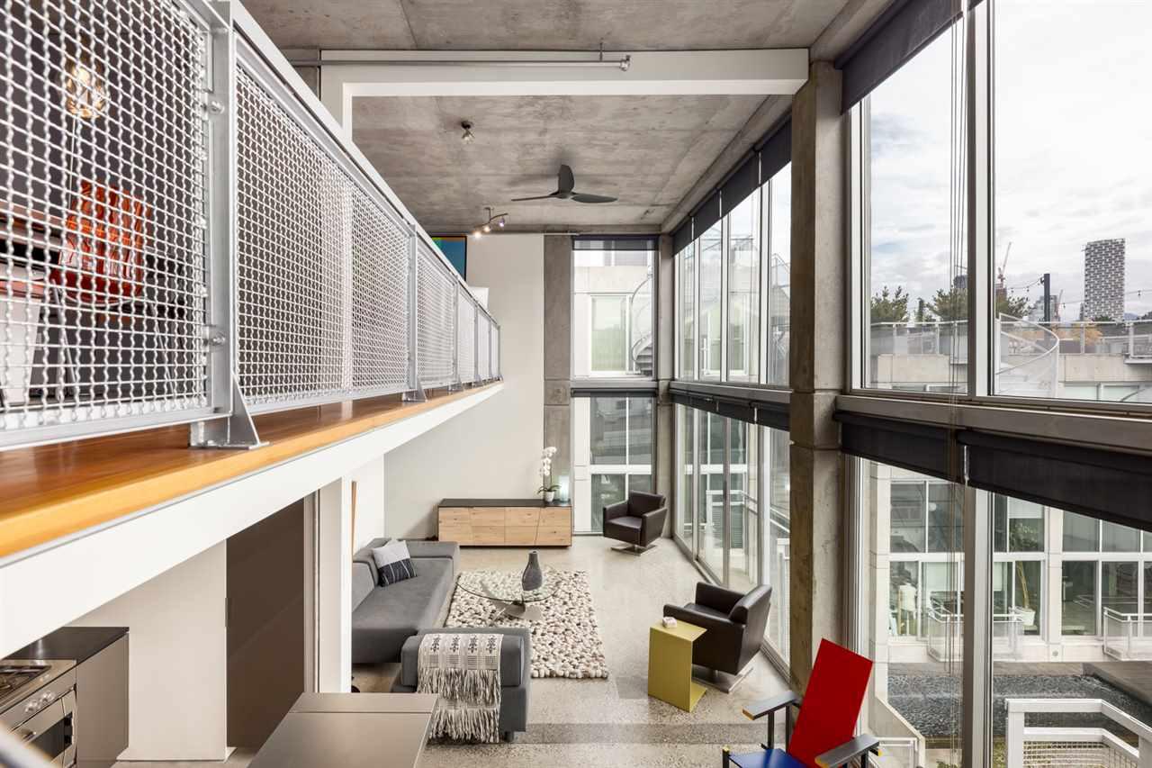 PH 610 1540 W 2ND AVENUE - False Creek Apartment/Condo for sale, 2 Bedrooms (R2606884)
