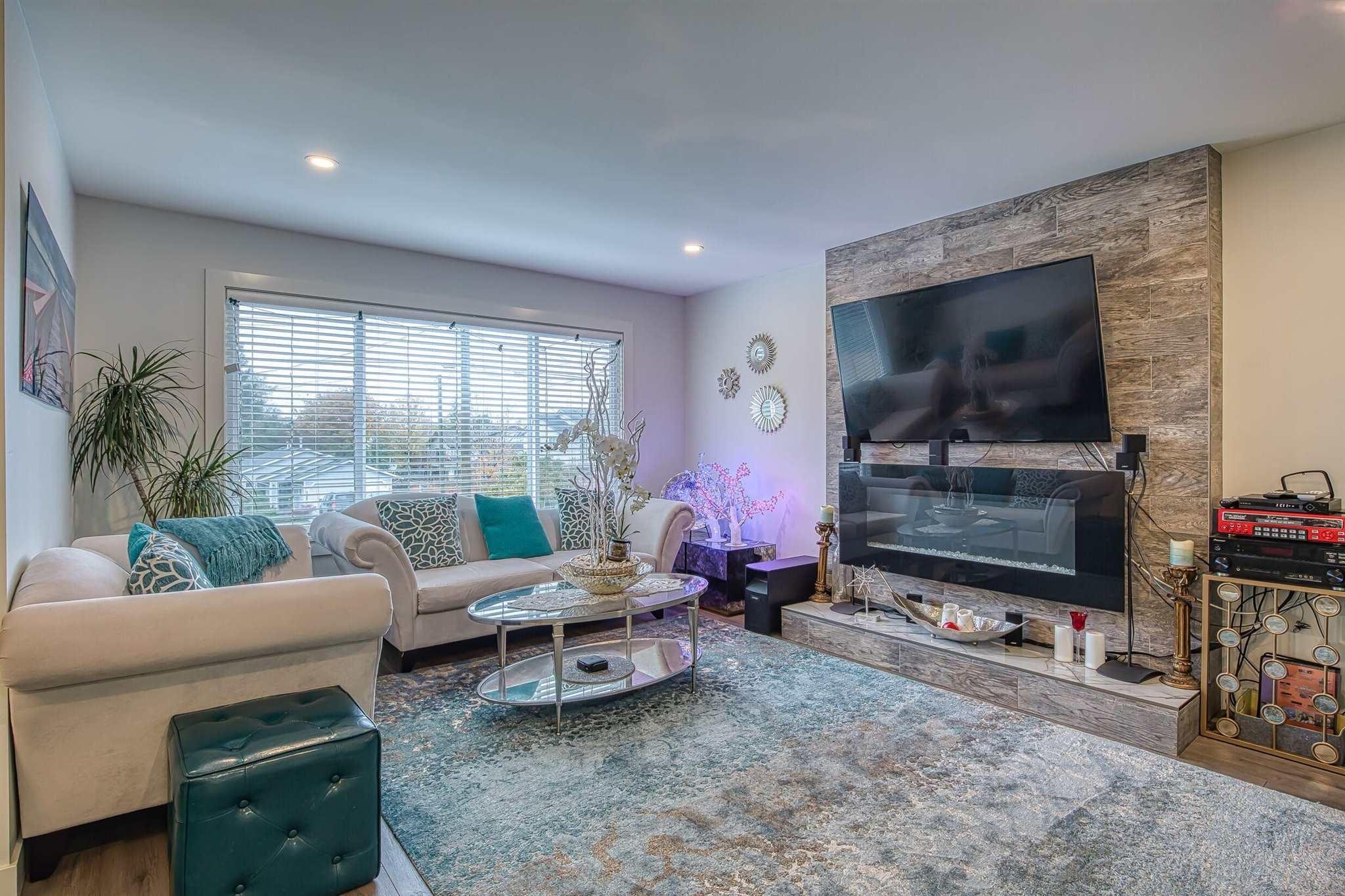 11672 203 STREET - Southwest Maple Ridge House/Single Family for sale, 5 Bedrooms (R2607010)