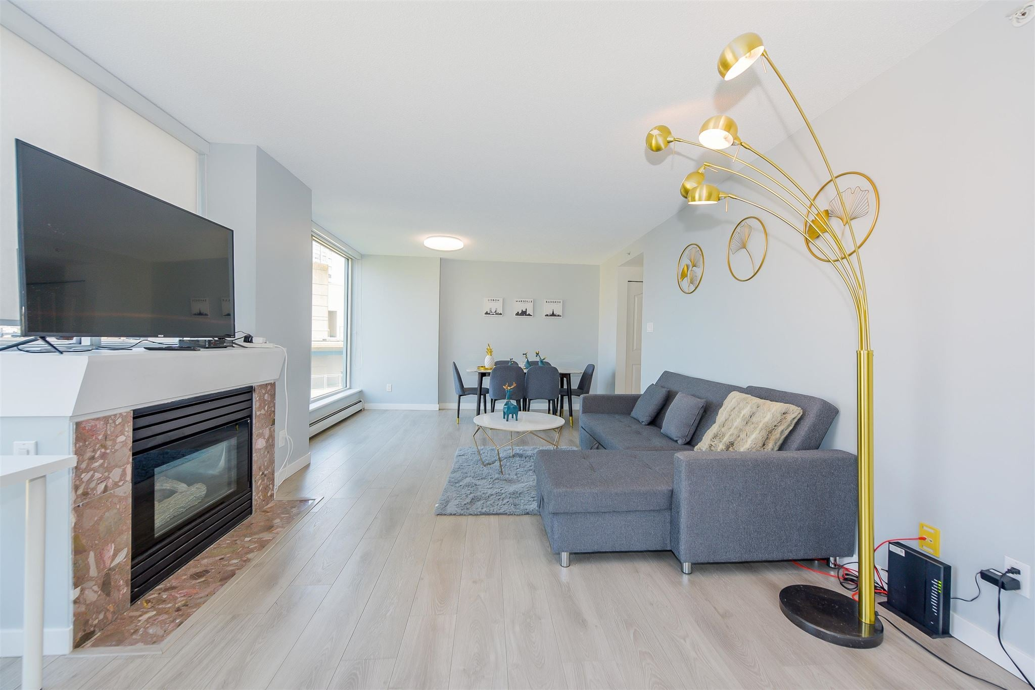 902 183 KEEFER PLACE - Downtown VW Apartment/Condo for sale, 2 Bedrooms (R2607144) - #1