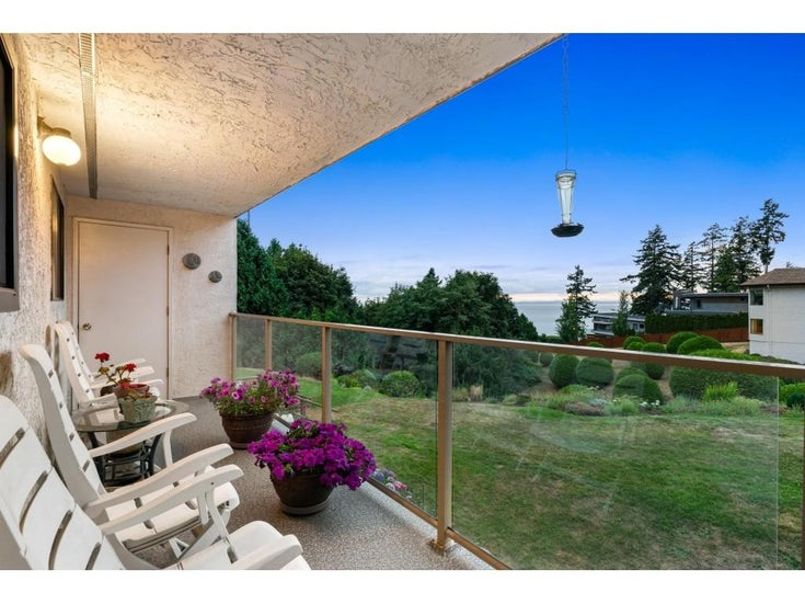 202 1350 VIDAL STREET - White Rock Apartment/Condo for sale, 2 Bedrooms (R2607938)
