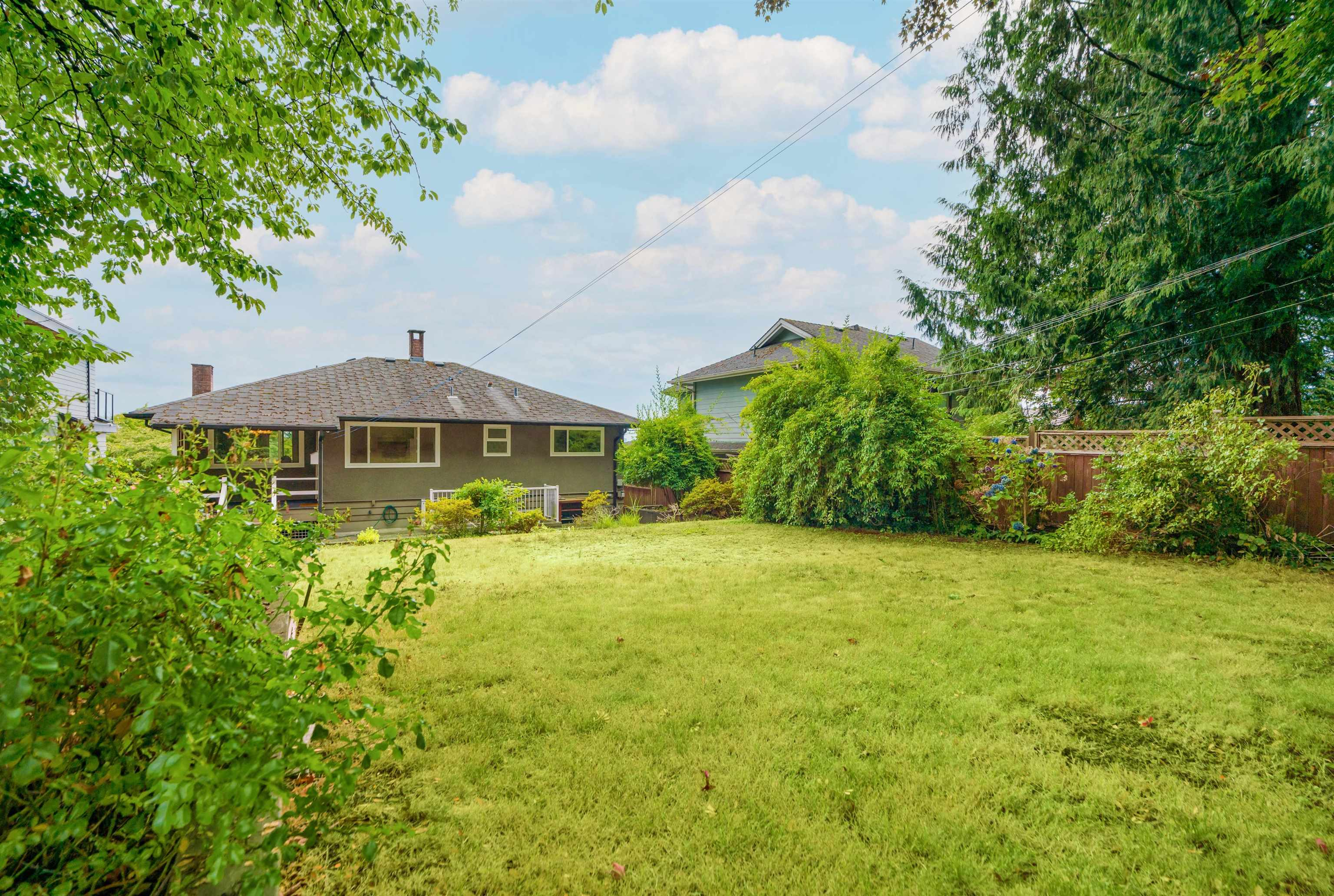 962 WHITCHURCH STREET - Calverhall House/Single Family for sale, 4 Bedrooms (R2609417) - #18