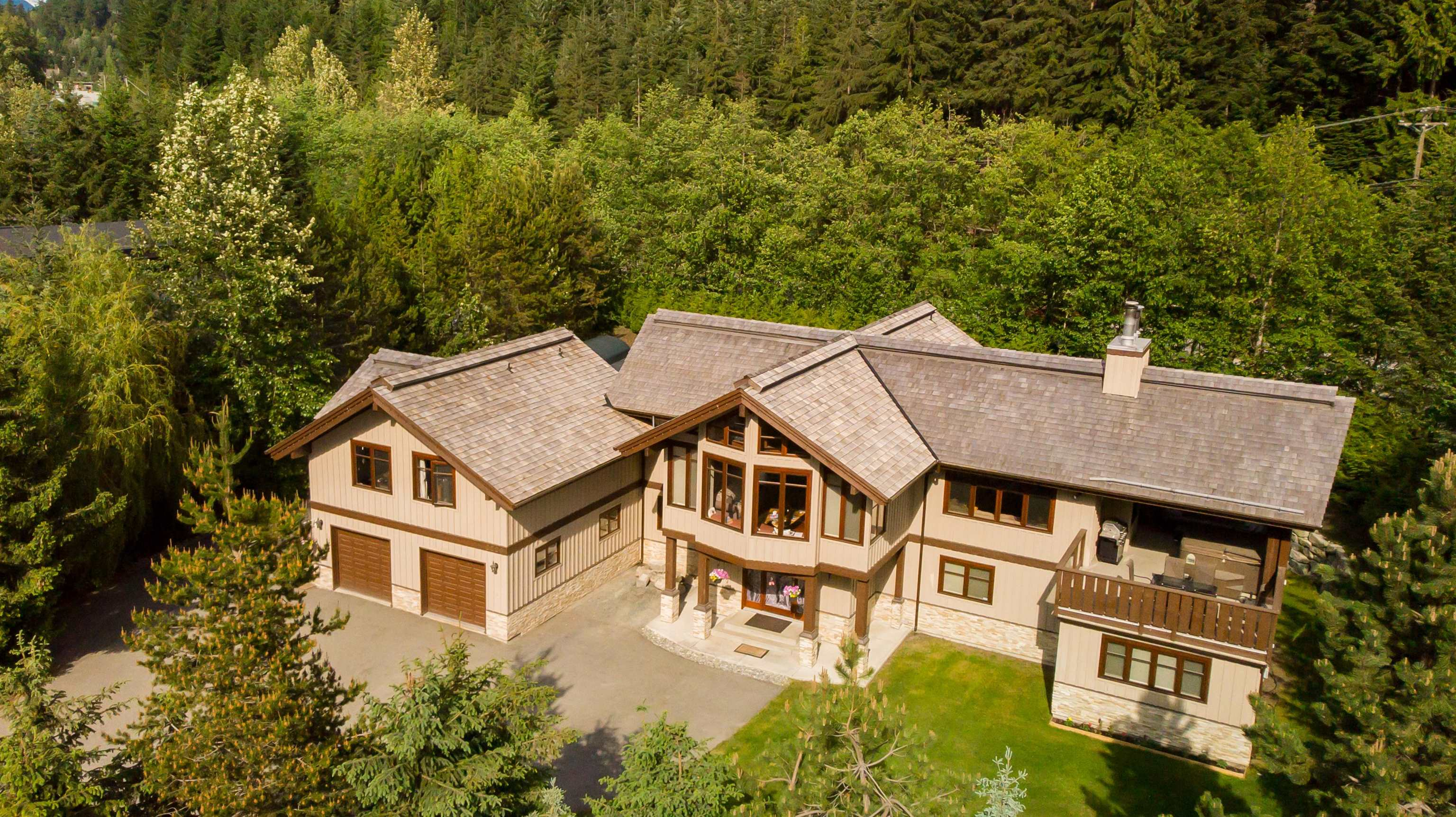 2220 LAKE PLACID ROAD - Whistler Creek House/Single Family for sale, 5 Bedrooms (R2610474)
