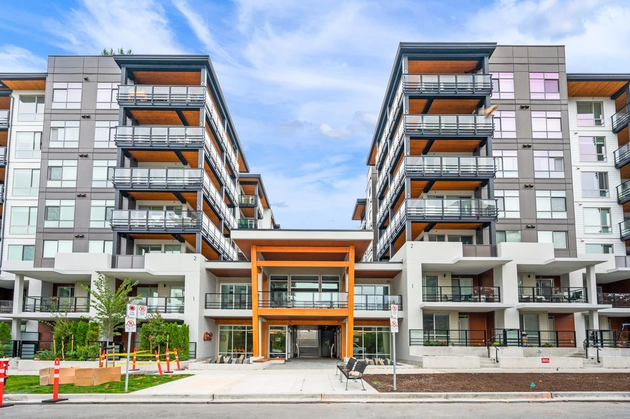 403 128 E 8TH STREET - Central Lonsdale Apartment/Condo for sale, 2 Bedrooms (R2611340) - #1